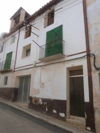 Aguaviva - Restored ready to live in 3 storey house