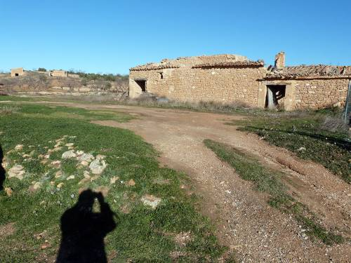 Valjunquera - 2  Rural stone buildings with 400 m2 land